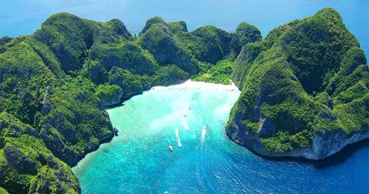 phi-phi-island-by-speedboat-Maya-Bay