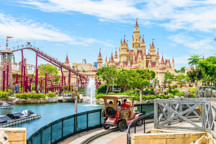 SINGAPORE-JUNE 25: beautiful castle and roller coaster in Univer